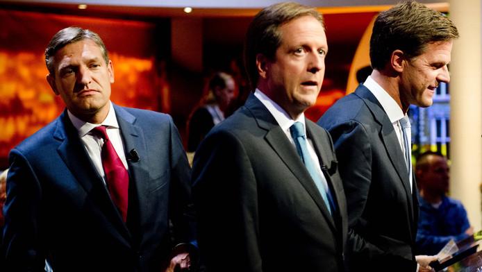 (VLNR) Sybrand Buma (CDA), Alexander Pechtold (D66) en Mark Rutte (VVD) bij Knevel & Van den Brink voor het eerste tv-debat.