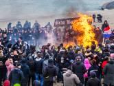 Knallende 'crematie' van traditie: Feest en agressie bij afscheid van vreugdevuur in Duindorp