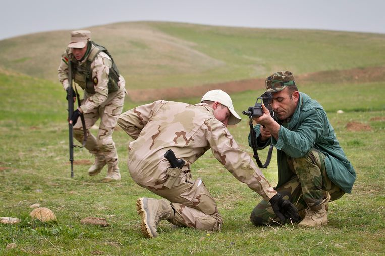 Nederlandse trainers leiden Koerdische Peshmerga-strijders op. Archiefbeeld uit 2015. Beeld ANP