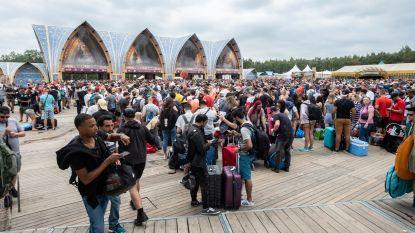 Laat de madness maar komen: 38.000 festivalgangers van over hele wereld overrompelen camping Tomorrowland