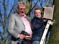 Wierden deelt weer gratis vogelhuisjes uit in strijd tegen jeukrups