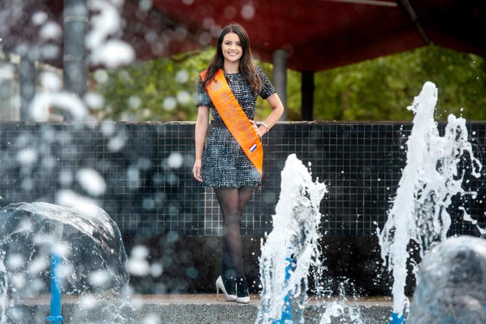 Badpak Voor Ouderen.Arnhemse Brenda In Race Voor Miss World Niet Alles Draait Om