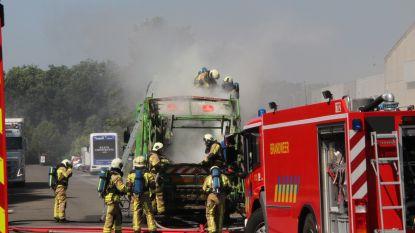 Vuilniswagen vat vuur tijdens ophaalronde in Wevelgem