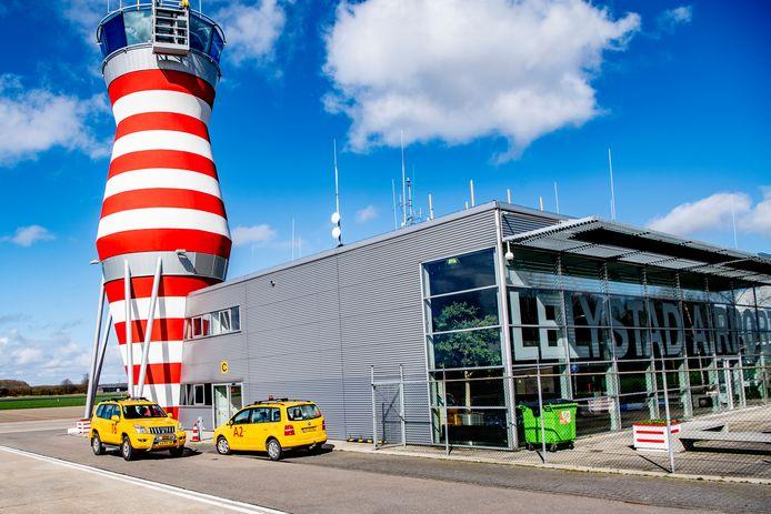 Gemeente Lelystad is 'zeer teleurgesteld' over het derde uitstel van de opening van Lelystad Airport voor groot commercieel verkeer.