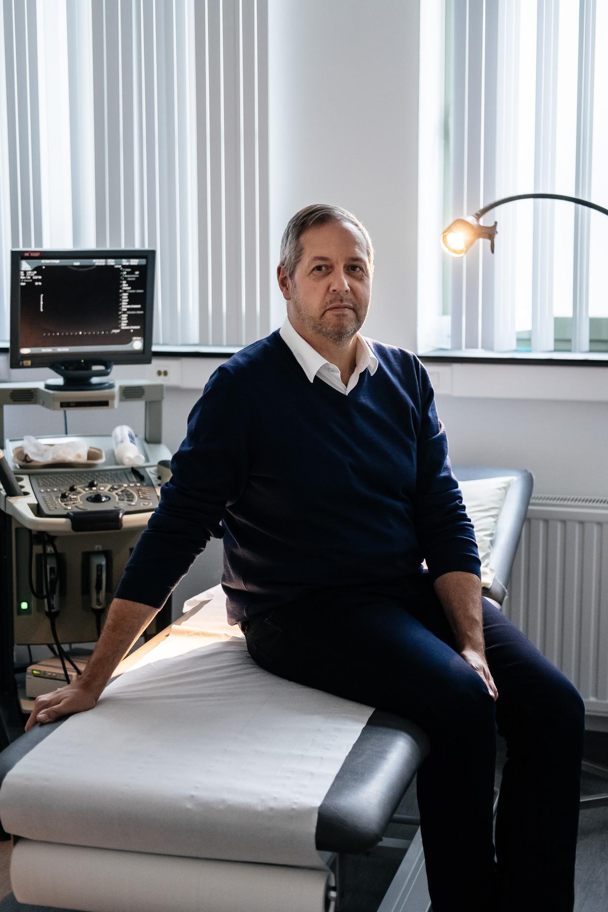 Piet Hoebeke (56): uroloog UZ Gent en decaan van de faculteit Geneeskunde en Gezondheidswetenschappen aan de UGent Beeld Wouter Van Vooren