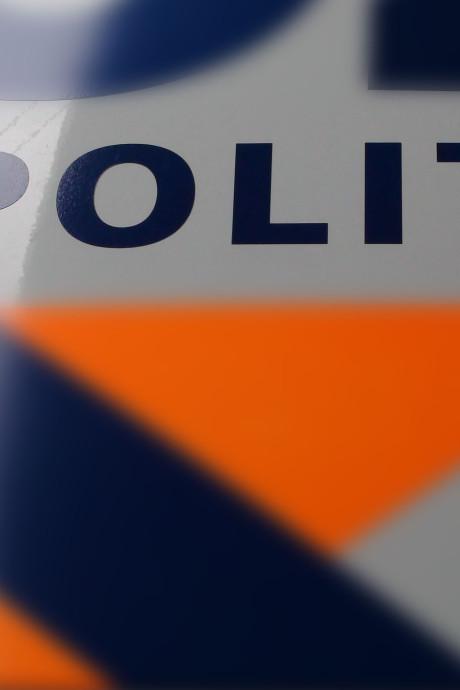 Politie zoekt scooterrijder die er vandoor gaat na botsing in Middelburg