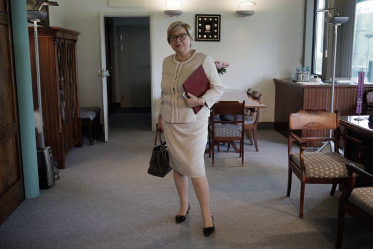 De opperrechter van het Hooggerechtshof in haar kantoor. Beeld Panos