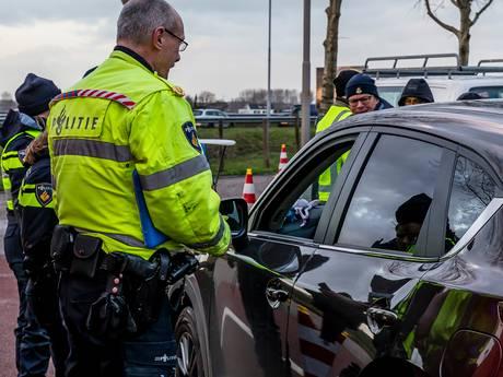 Meerdere auto's in beslag genomen bij controle langs A27 in Hank