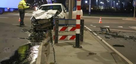 Botsing met 3 auto's zorgt voor ravage bij Oss