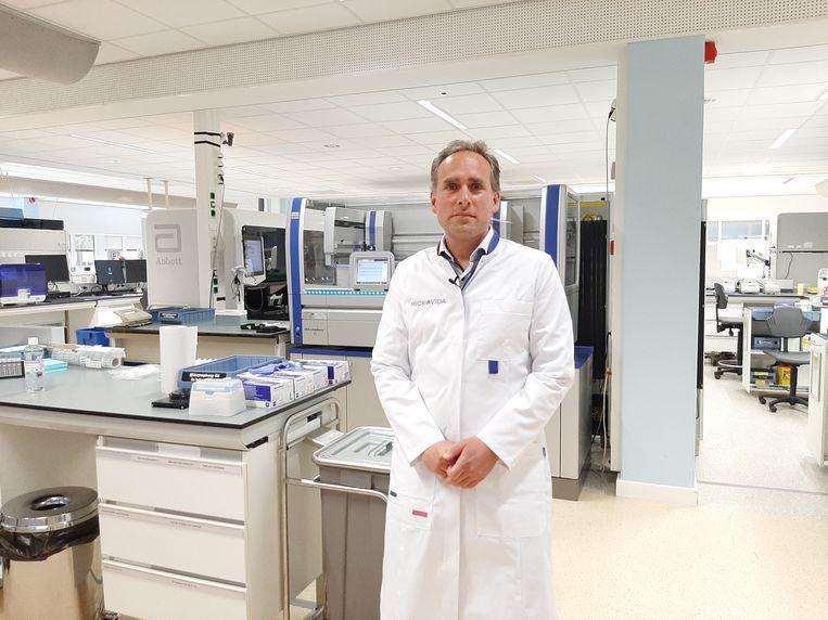 Jean-Luc Murk, arts-microbioloog in het Elisabeth-TweeSteden Ziekenhuis in Tilburg. Beeld BD / Marieke van der Voort