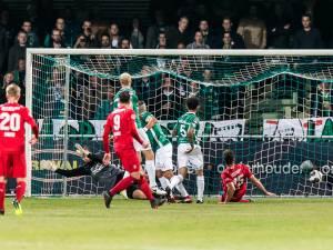 FC Twente pakt tegen FC Dordrecht eerste uitzege: 2-0