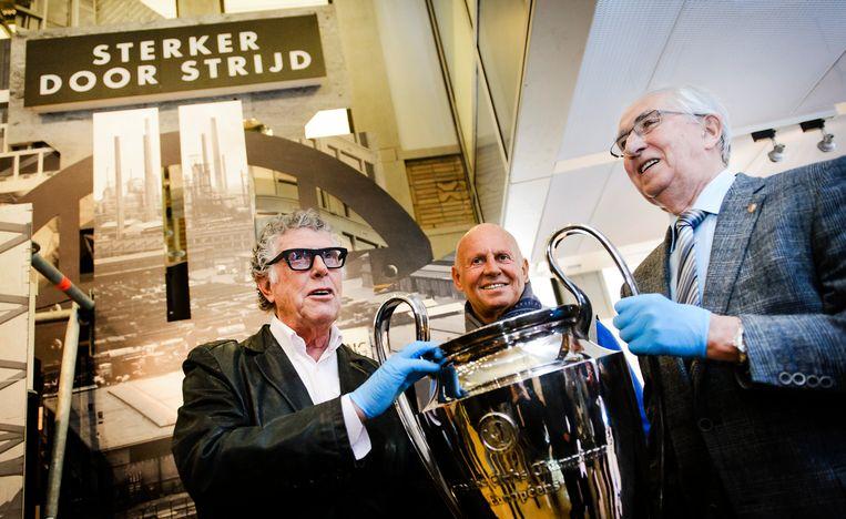 De Europacup 1 die Feyenoord in 1970 won in Museum Rotterdam.  Beeld Hollandse Hoogte /  ANP
