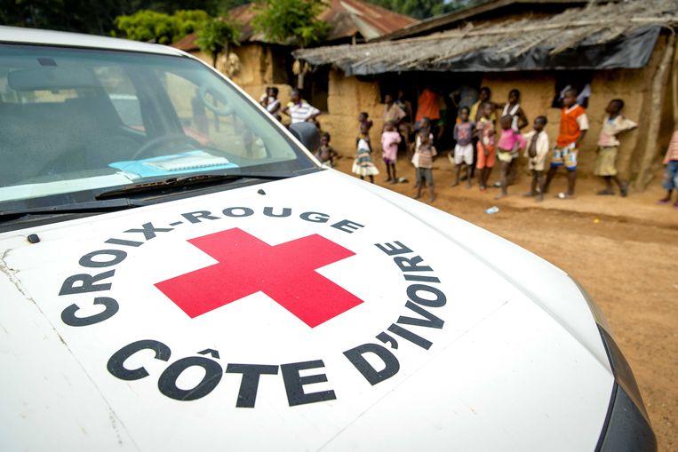 Het Rode Kruis aan het werk in Ivoorkust.