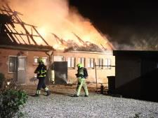 Brand verwoest dak van boerderij Acquoy: 'We voelen veel steun uit het dorp'