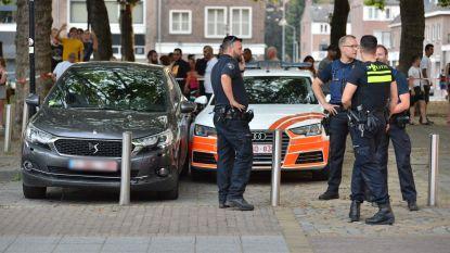 Belgische auto klemgereden in Breda na achtervolging: koffer gevuld met vier zwarte tassen