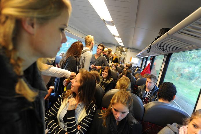 Propvolle treinen. Geen uitzondering op de Maaslijn.
