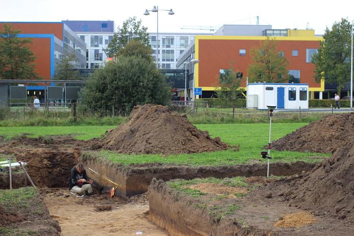 Archeologen doen in 2014 onderzoek als voorbereiding voor de bouw van het Prinses Máxima Centrum op De Uithof in Utrecht.