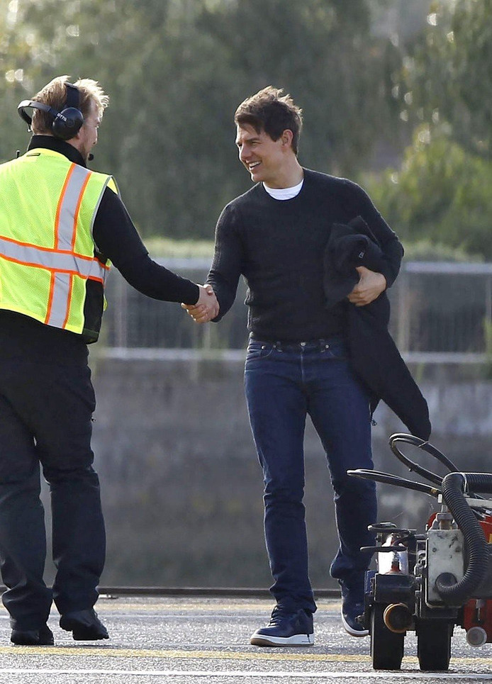 Mission Impossible-stunt Tom Cruise gaat mis | Show | AD.nl