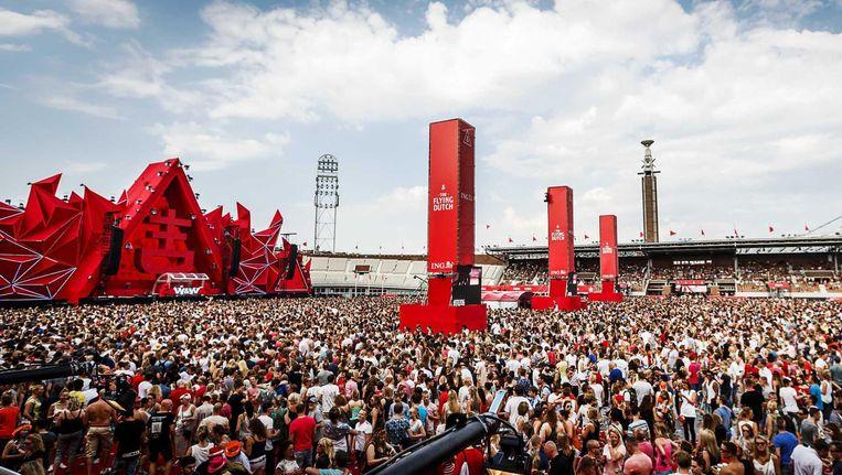 Het evenement brengt 10 Nederlandse DJ's, met helikopters, op 1 dag naar drie verschillende steden, waaronder Amsterdam. Beeld anp