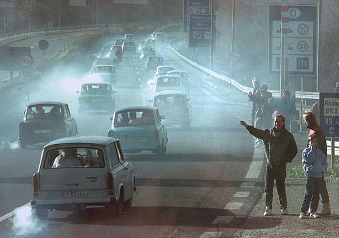 De Oost Duitse trabant werd na de val van de muur een echt 'hebbedingetje' in Nederland. Autohandelaar Tonny Keijzers uit Apeldoorn, die vlak na de val van de muur in Oost Duitsland een autobedrijf begon, importeerde er velen naar Nederland. Twee dagen na de val van de muur maakten bestuurders in de Trabant deze triomfantelijke rit.