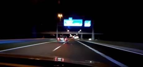 Politie rijdt Mercedes klem na achtervolging: snelheden tot 260 km per uur