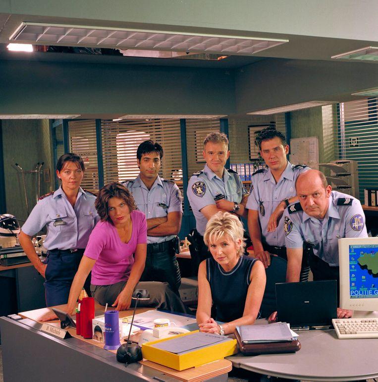 Het team van Flikken op het commissariaat in de Belfortstraat.