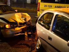 Gewonde bij botsing met drie auto's in Breda