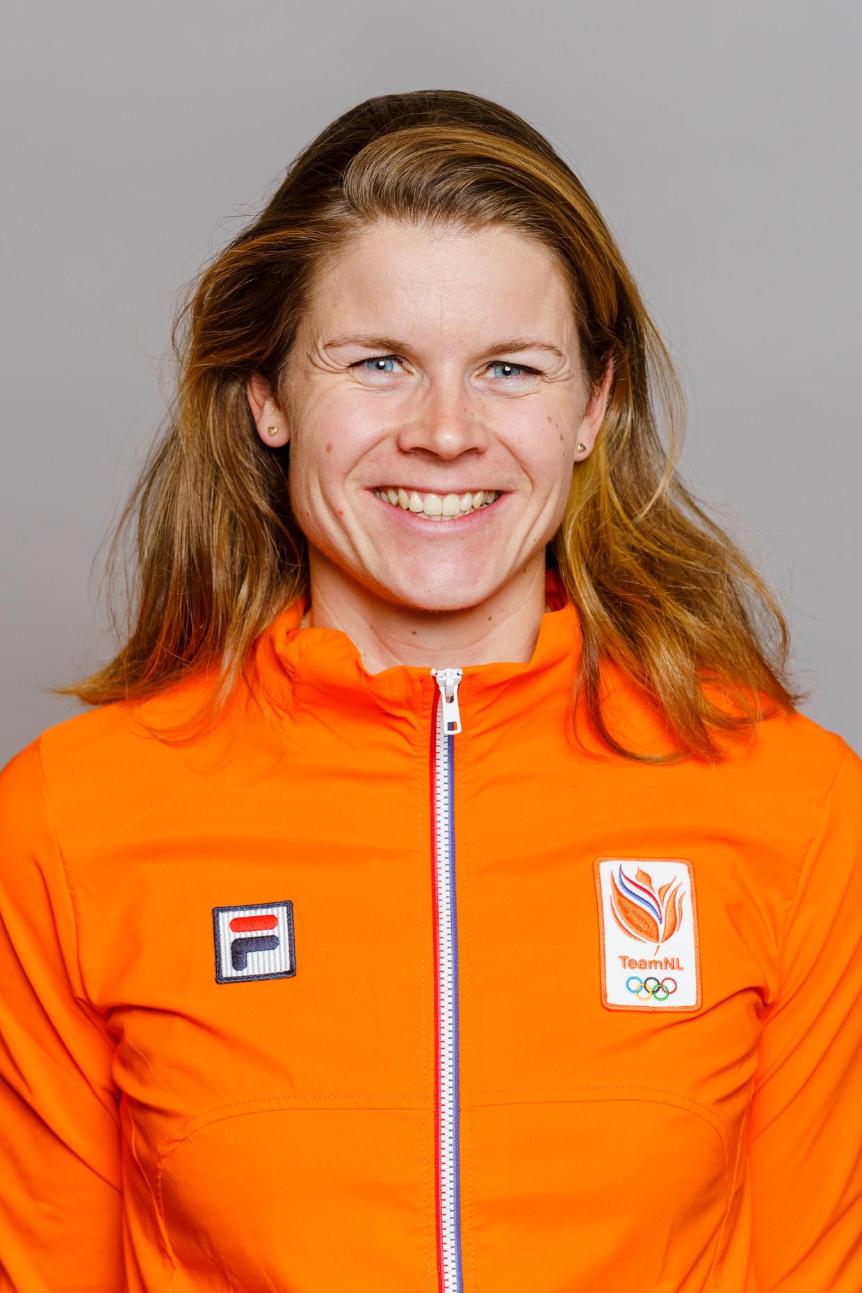 Inge Janssen (30) is een roeister uit Amsterdam. Ze won onder meer zilver bij de Olympische Spelen van 2016 in Rio, in de dubbelvier.