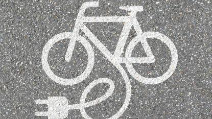 Elektrische fiets opladen kan voortaan aan sportcentrum