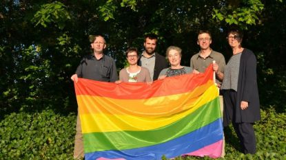 Holsbeek hijst de regenboogvlag