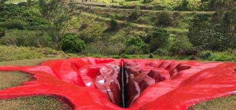Pourquoi cette vulve géante dans le sol brésilien?