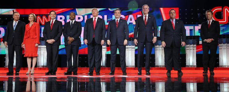 Alle negen kandidaten die deelnamen aan het hoofddebat dinsdag in Las Vegas. Terrorisme en IS waren de belangrijkste onderwerpen. Beeld EPA