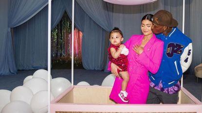 1 jaar oude dochter van Kylie Jenner krijgt mini-Lamborghini cadeau