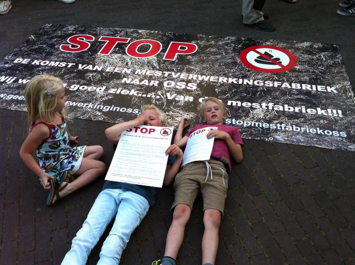 Protest tegen de vestiging van een mestverwerker in Oss.