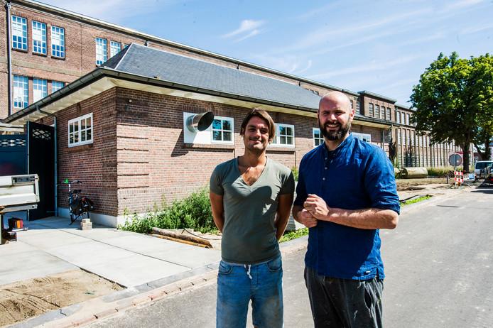 Mark Jacobs en rechts Bart Koolen exploiteerden tot op heden De Kazerne op het KVL-terrein in Oisterwijk/.