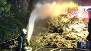 830 balen stro uitgebrand in Zandhoven: oorzaak wordt onderzocht