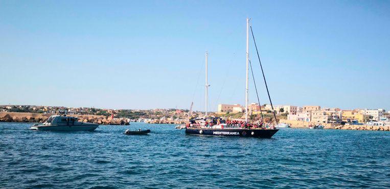 Het reddingsschip Alex bij Lampedusa.
