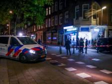 Twee gemaskerde mannen met mes bedreigen en  beroven eigenaar minimarket Rotterdam-West