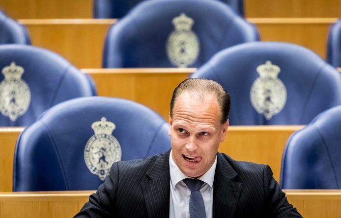 Kamerlid Roy van Aalst van de Partij voor de Vrijheid is één van de indieners van het voorstel.