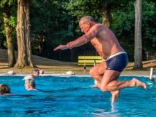 Dauwzwemmer Dries van Delft laat zijn vrouw thuis
