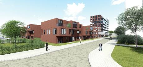 Bewoners van Schiedamse nieuwbouwwoningen worden gek van de stank: 'Je eetlust is snel weg'