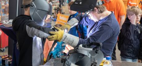 Veel belangstelling voor Helmondse Hotspot tijdens DTW: 'Volgende keer houden we kinderfeestje hier'