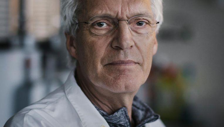 Kankeronderzoeker René Bernards: 'Kankerwetenschappers hebben een maatschappelijke rol: betere en goedkopere kankermedicatie ontdekken' Beeld Marc Driessen