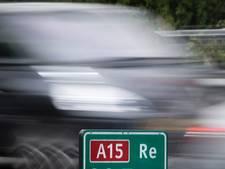 Dronken hardrijder slaat tien keer over de kop op A15