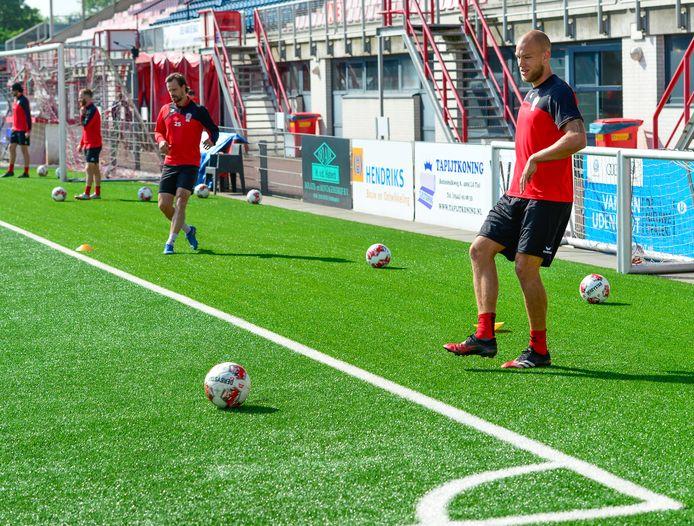 Jan Lammers in actie tijdens een training van TOP Oss.