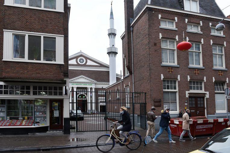 De Turkse Mescidi Aksamoskee in de Wagenstraat in Den Haag. Beeld Hollandse Hoogte / Peter Hilz