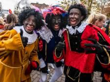 Geen centje pijn voor de roetveegpiet in Oisterwijk: 'Bij het schminken zei ik: laat de helft maar wit'