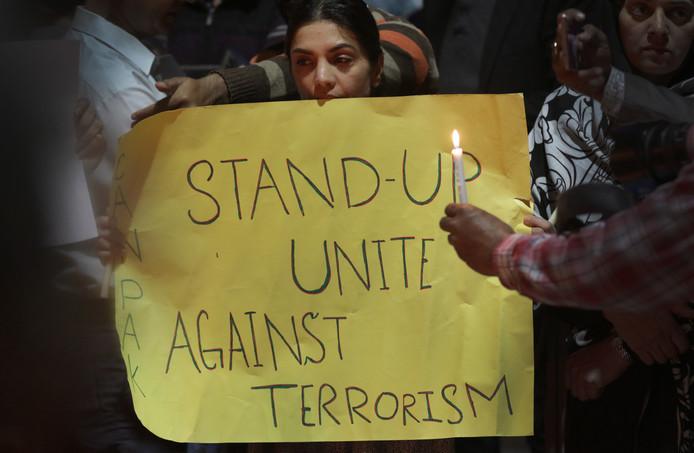 Ook elders op de wereld, zoals in Pakistan, wordt meegeleefd met de slachtoffers in Christchurch.