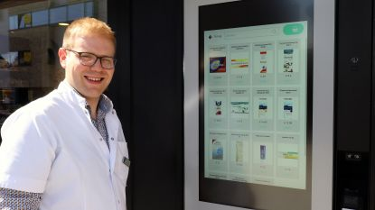 """Automaat van apotheek Bakelants bedient je dag en nacht: """"Vooral gericht op tweeverdieners die niet op tijd in de apotheek geraken"""""""