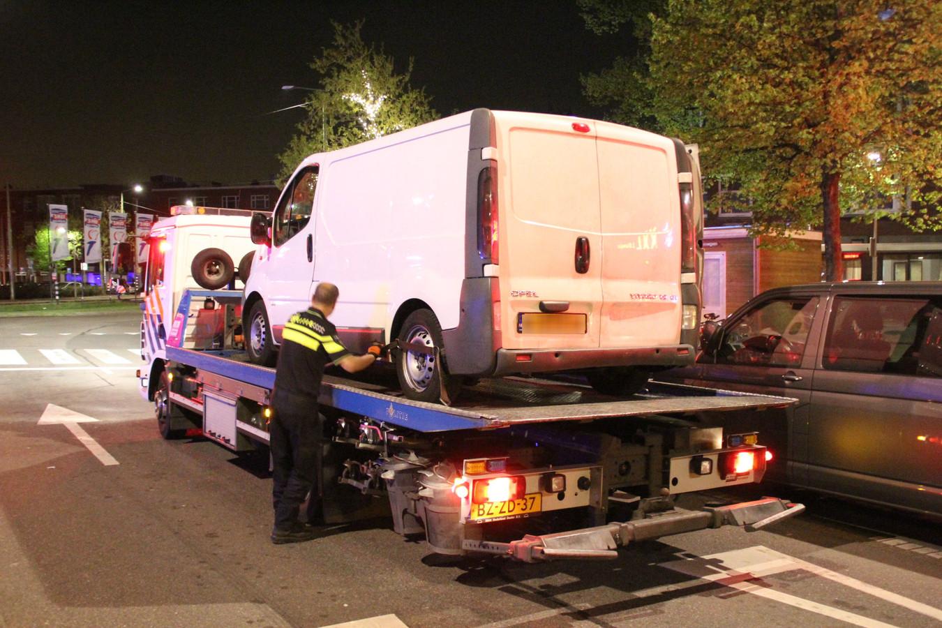 Het busje werd in beslag genomen door de politie
